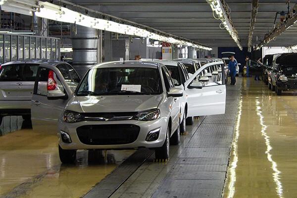 В сборочном цехе. Автомобили Лада Калина 2. Новости, описание, видео.