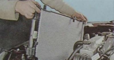 Демонтаж радиатора, шаг 3